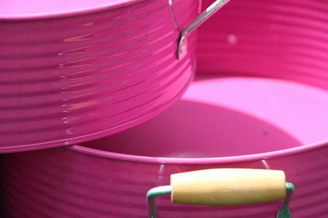 bucket-1570201_640